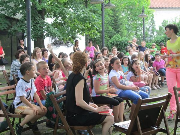 """""""Забавното лятно четене"""" зарадва своите приятели и в град Враца"""